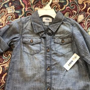 NWT Old Navy denim button up toddler boys shirt.